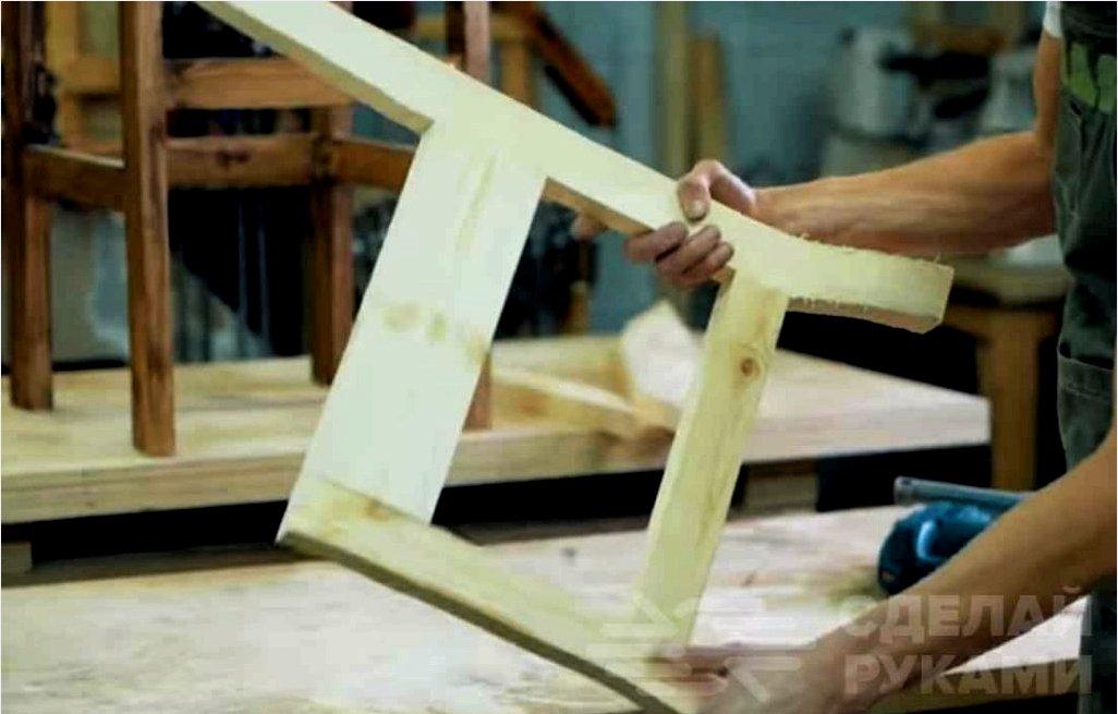 Hogyan kell felújítani a fából készült széket