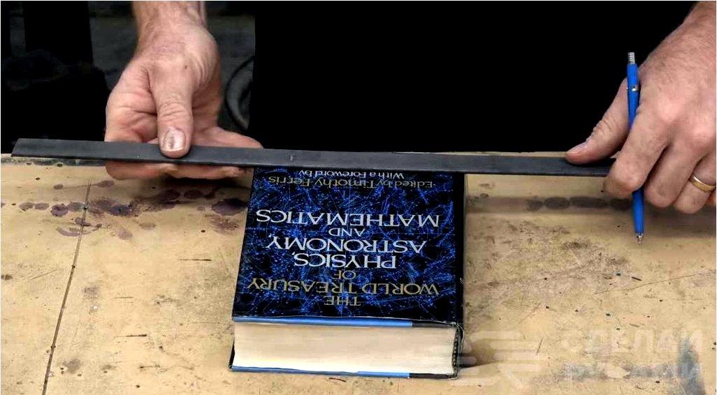 Hogyan díszítsünk egy könyvespolcot