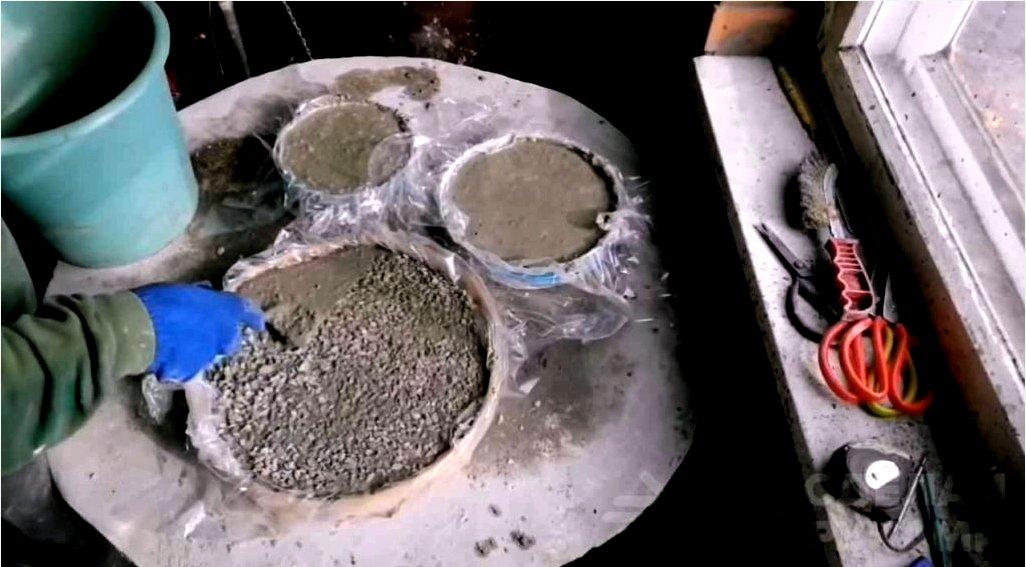 Hogyan készítsünk betonlapokat kültéri csempe teraszokhoz
